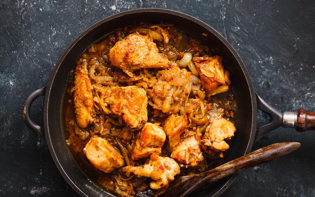 Пиле с карамелизиран лук